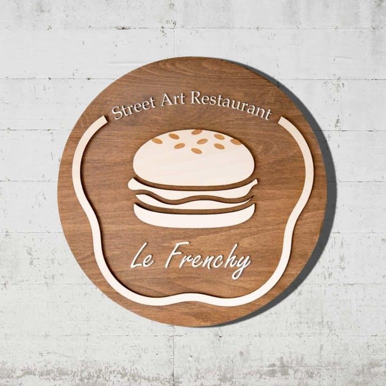 enseigne en bois ronde pour restaurant