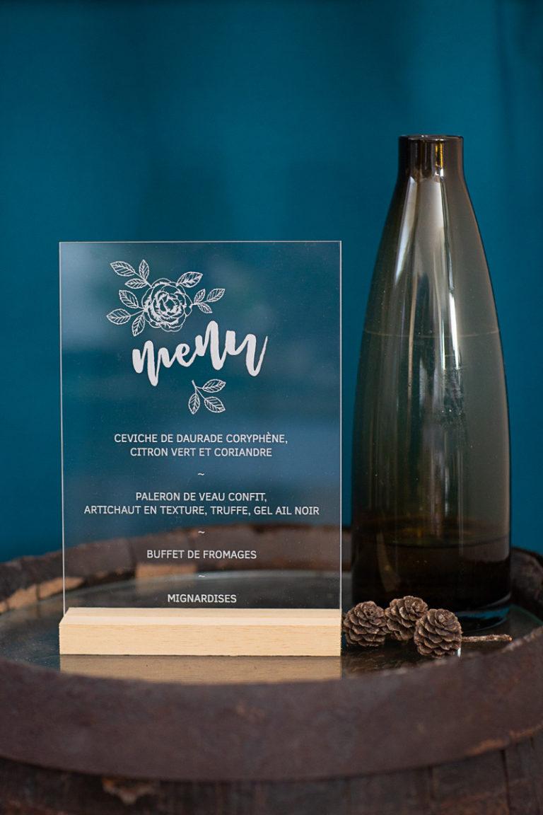Pancarte mariage menu plexi gravé & personalisé sur mesure. Plexiglas, bois, acrylique Beaver Wood